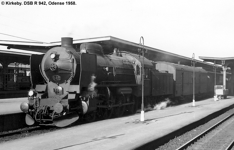DSB R 942
