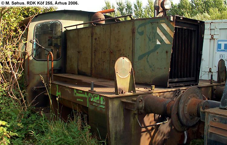 RDK Traktor 255