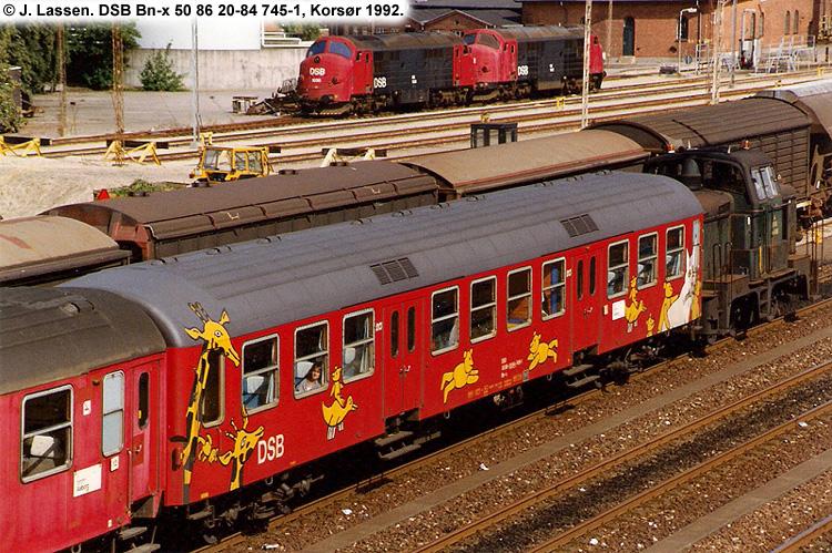 DSB Bn-x 745