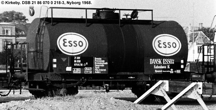 Dansk Esso A/S - DSB 20 86 070 0 218 - 4