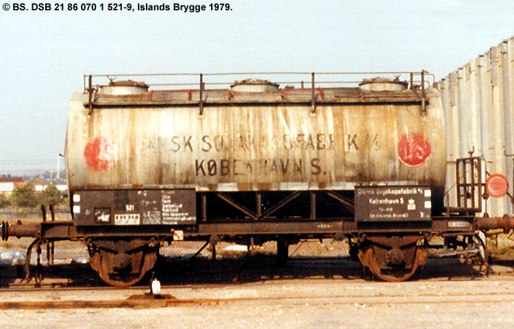 Dansk Sojakagefabrik A/S - DSB 21 86 070 1 521 - 9