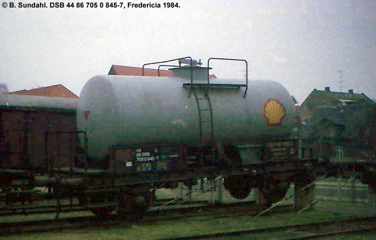 Dansk Shell A/S - DSB 44 86 705 0 845 - 7