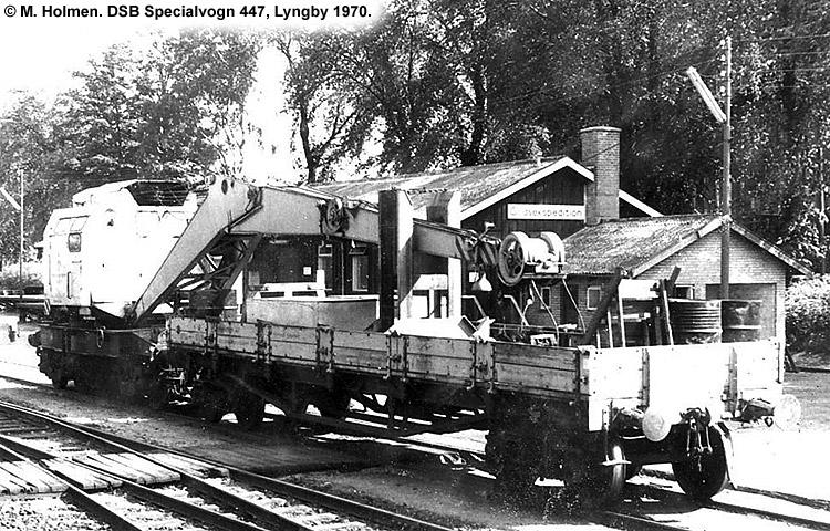 DSB Specialvogn 447<br>Løbevogn for skinneudlægningskran 157
