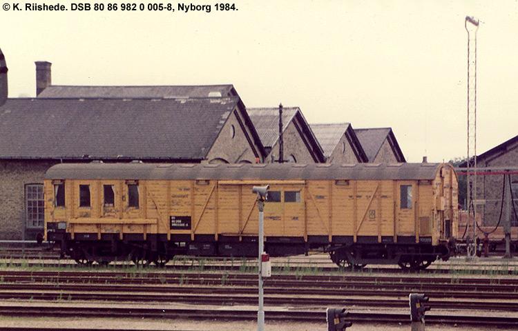 DSB tjenestevogn 80 86 982 0005 - 8
