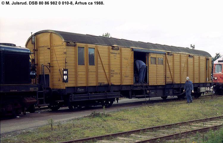 DSB tjenestevogn 80 86 982 0010 - 8